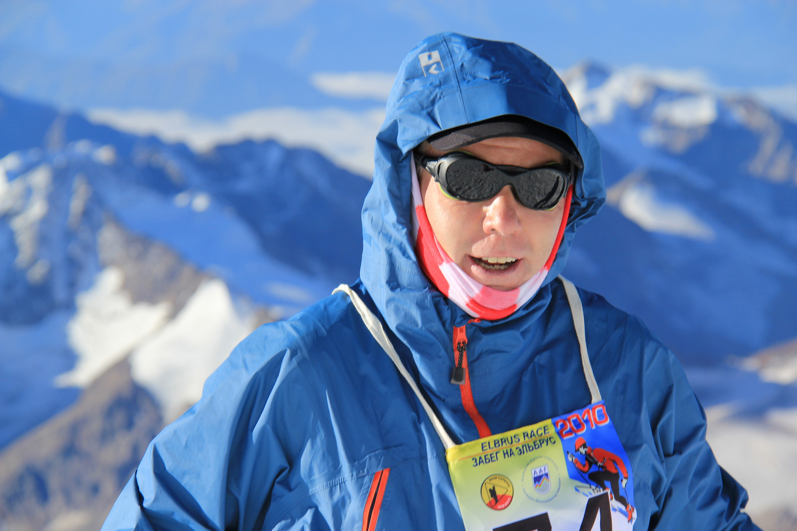Artur Hajzer on Elbrus (Pastukhov rocks) during VI Elbrus Race - 2010