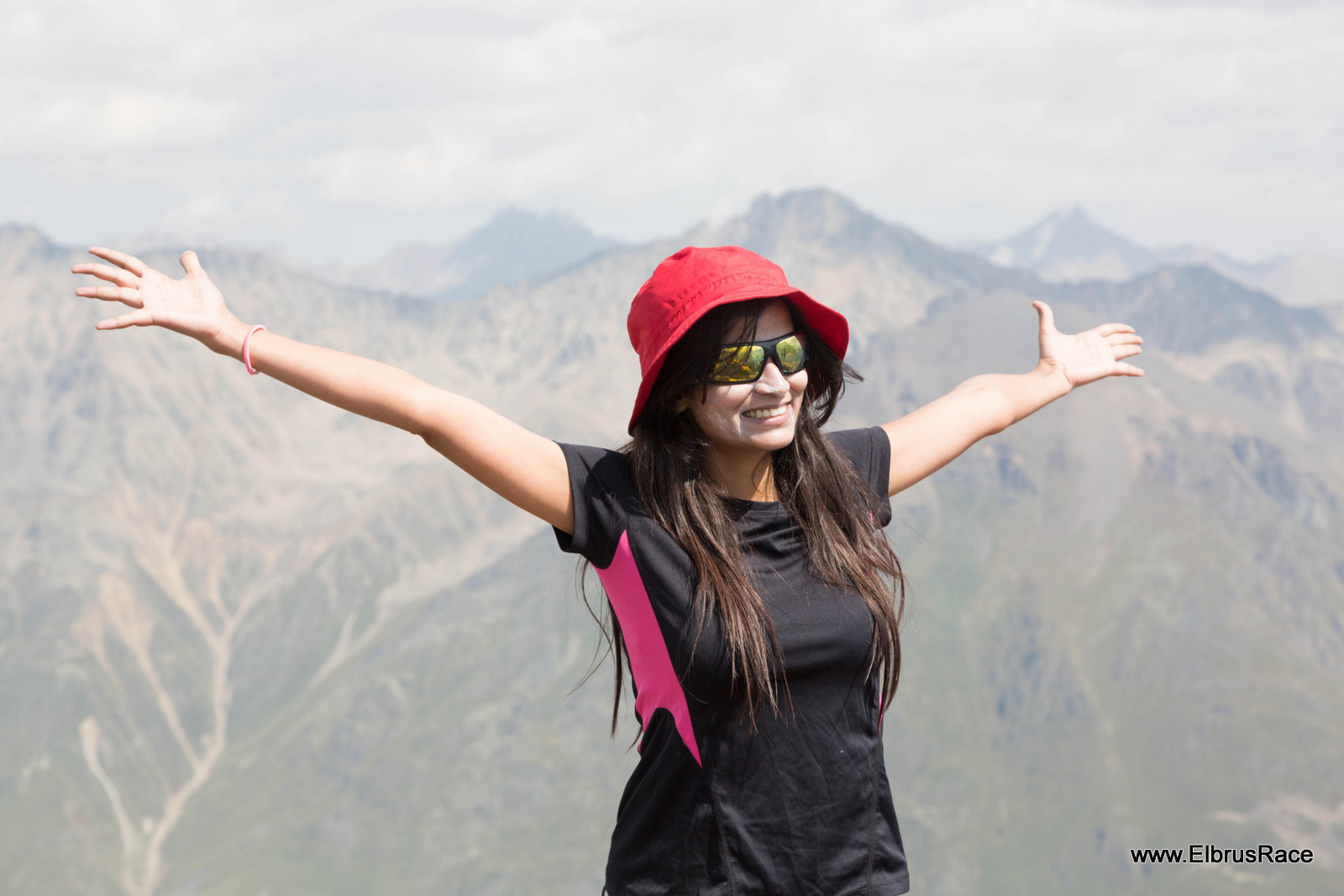 Ritika Singh - Elbrus race 2014 participant, who managed to come to short list 100 of Mars One project